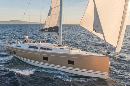 Hire Sailboat HANSE 418 Laurium