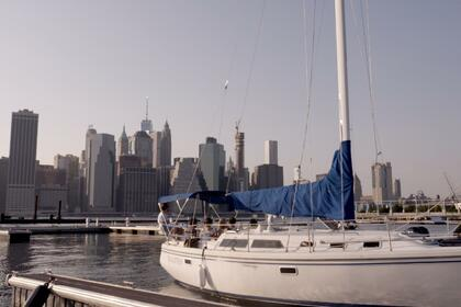 Charter Sailboat Catalina 34 Brooklyn