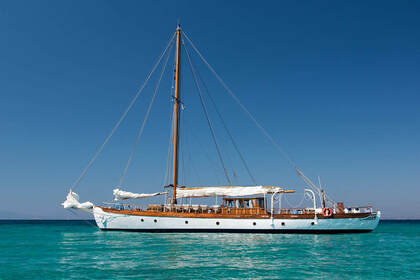 Charter Sailboat SailYacht Thelginos Spetses