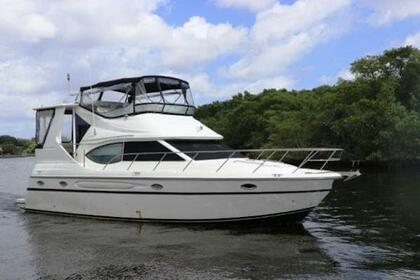Rental Motorboat Maxum 41000SCB Miami Beach