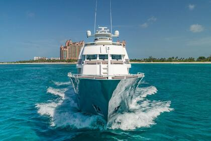 Hire Motor yacht Poole Chaffee Rogue Nassau