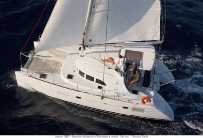 Location Catamaran Lagoon 380 Le Marin