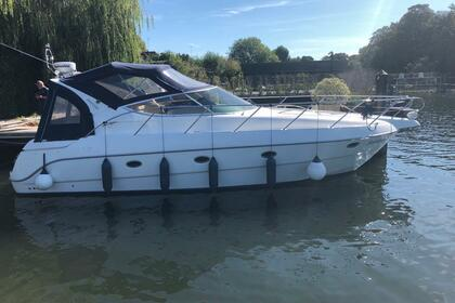 Charter Motorboat Sessa Oyster 34 East Molesey