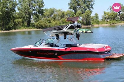Hire Motorboat Mastercraft X30 Powell