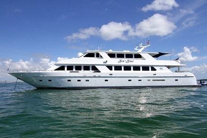 Hire Motor yacht Hargrave Sea Star New York