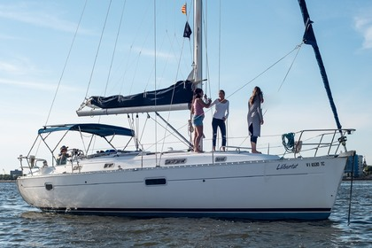 Hire Sailboat Beneteau Oceanis 36 Charleston