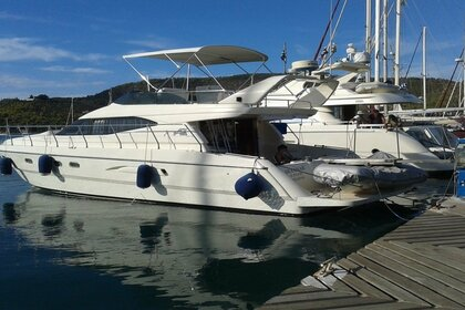 Hire Motorboat Azimut Flybridge Glyfada