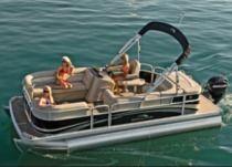 Comfortable Pontoon Boat For Rental In Hilton Head Island