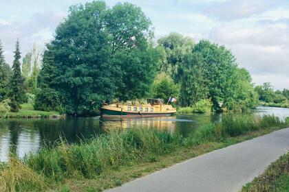 Rental Houseboat COURAGE Ex Ravitailleur Amiens