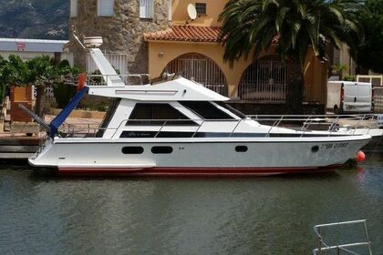 Charter Motorboat Guy Couach 1100 Fly Agde