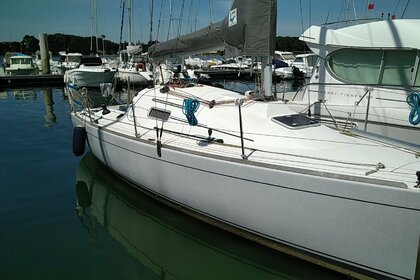Rental Sailboat BENETEAU FIRST 27.7 Larmor-Plage