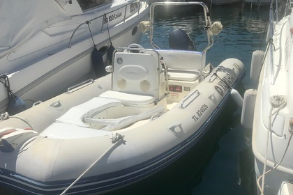 Hire Motorboat Yamaha Medline II Compact Beaulieu-sur-Mer