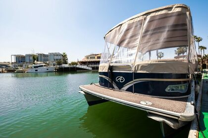 Rental Motorboat Pontoon Boat 23 Newport Beach