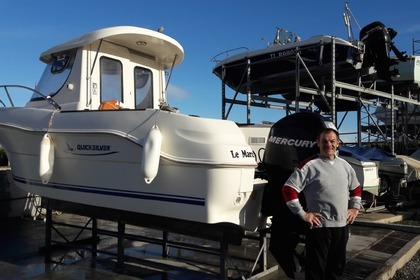 Rental Motorboat QUICKSILVER 5.8 pilothouse Marseillan