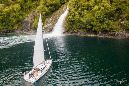 Rental Sailboat Elan GT5 Puerto Montt