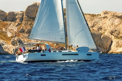 Hire Sailboat Jeanneau Sun Loft 47 Elliniko