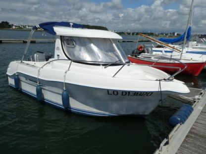 Rental Motorboat Quicksilver 580 Pilothouse 80 Cv Essence Larmor-Plage