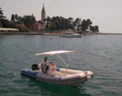 Rental RIB Zodiac Medline 550 Novigrad