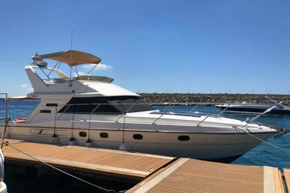 Rental Motorboat FAIRLINE PHANTOM 41 Gozo