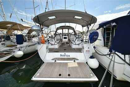Hire Sailboat Bavaria Bavaria Cruiser 37 Biograd na Moru