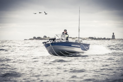Rental Motorboat LINDER Sportsman 445 Catch Stockholm