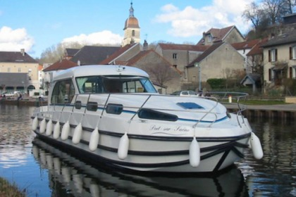 Rental Houseboat Nicols Sedan 1310 Dole