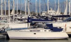 Jeanneau Sun Odyssey 34.2 in La Rochelle for rental