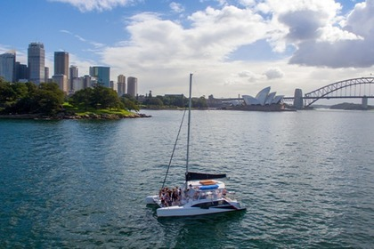Hire Catamaran Seawind 1160 Resort Sydney