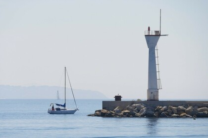 Rental Sailboat Jeanneau Poker 8,25 Bastia