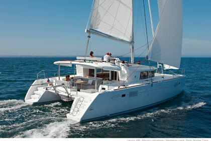 Charter Catamaran Lagoon Lagoon 450 with watermaker & A/C - PLUS Key West