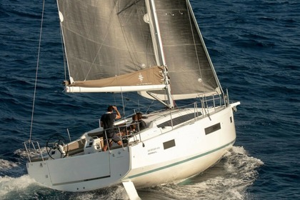 Hire Sailboat Jeanneau Sun Odyssey 410 Performance Tropea