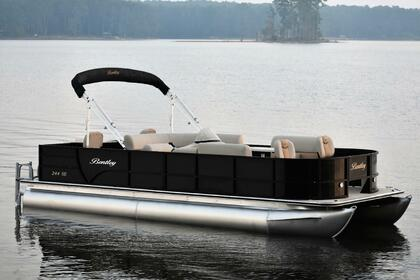 Hire Motorboat Bentley 24 Covington