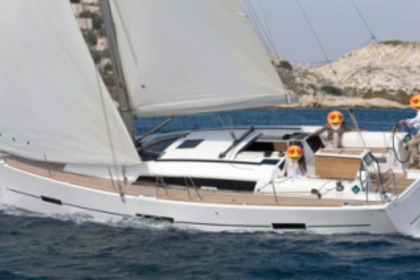 Hire Sailboat DUFOUR 410 GL Marina di Grosseto