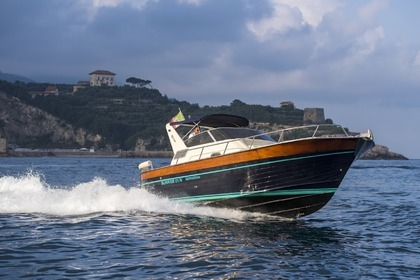 Hire Motorboat Acquamarina 30 Sorrento