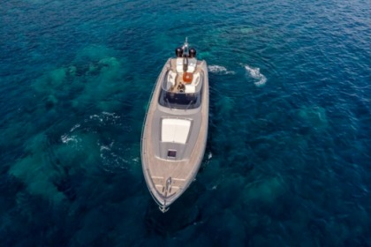 Location Yacht Riva 63 Virtus Barcelone