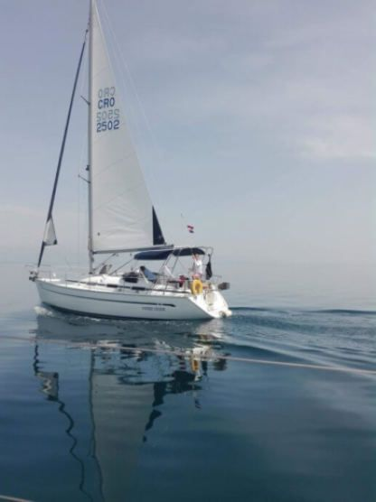 Rental Sailboat Bavaria 32 Kraljevica