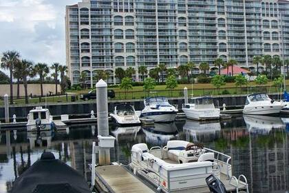 Hire Motorboat Pontoon Suncatcher North Myrtle Beach