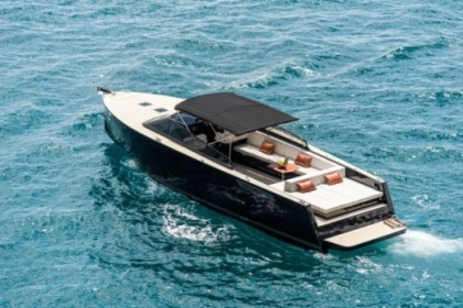 Hire Motorboat Colnago 45 Open Hvar
