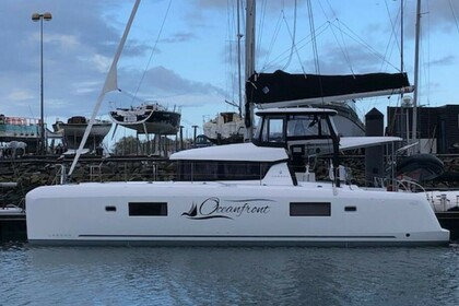 Hire Catamaran Lagoon Catamaran Lagoon 42 with A/C Nassau