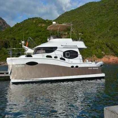 Rental Motorboat Fountaine Pajot Summerland 40 Fréjus