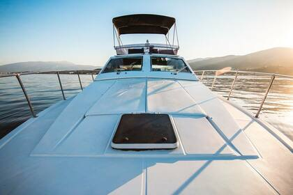 Hire Motorboat Ferretti 45 Flybridge Mykonos