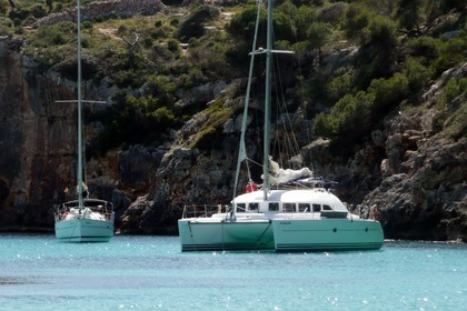 Location Catamaran Lagoon Lagoon 380 Ibiza