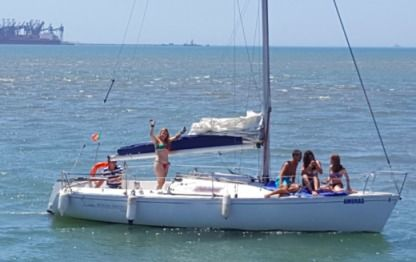 Charter Sailboat Beneteau First Class 8 Albufeira
