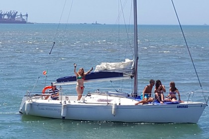 Hire Sailboat Beneteau First Class 8 Albufeira