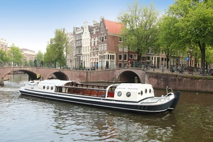 Hire Motorboat Custom Luxe Salonboot 'T Smidtje Amsterdam