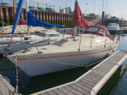 Charter Sailboat Beneteau First 28 Calais