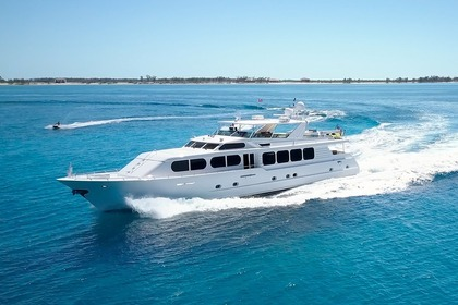 Hire Motor yacht Broward Il Capo New York
