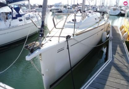 Rental Sailboat Beneteau First 30 La Rochelle
