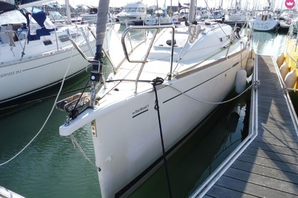 Charter Sailboat BENETEAU FIRST 30 La Rochelle