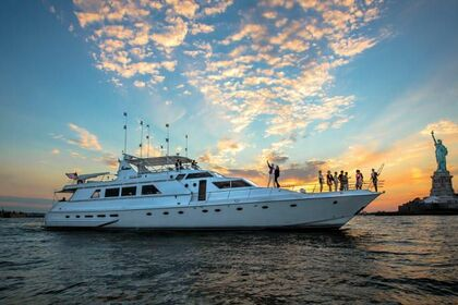 Hire Motor yacht COUACH 97 New York